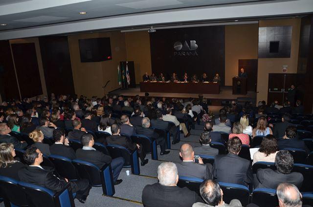 11.06.2015 – APEP participa de homenagem a Fachin na OAB Paraná
